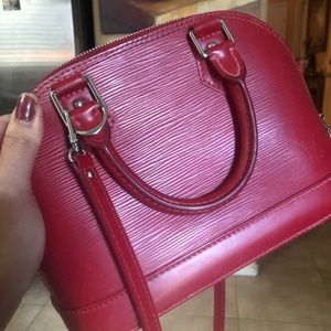 SOLD‼️ Auth. LV  Alma bb red FIRM